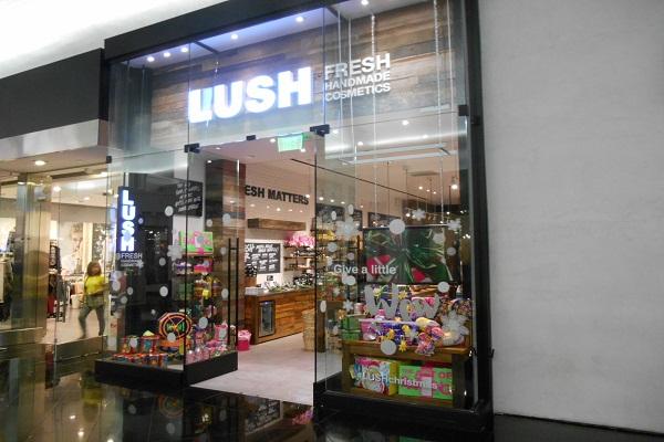 Lush (2)