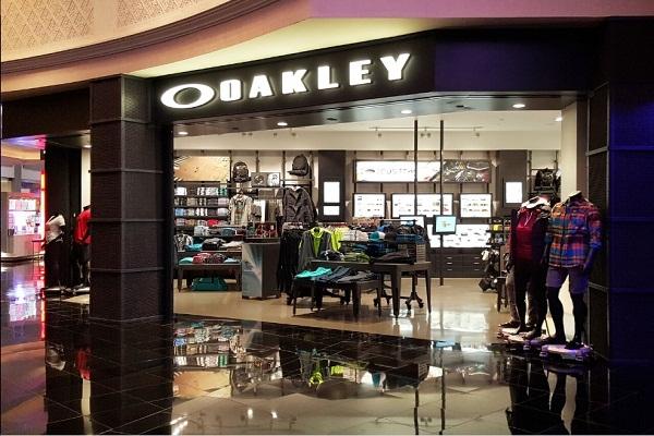 oakley2-b